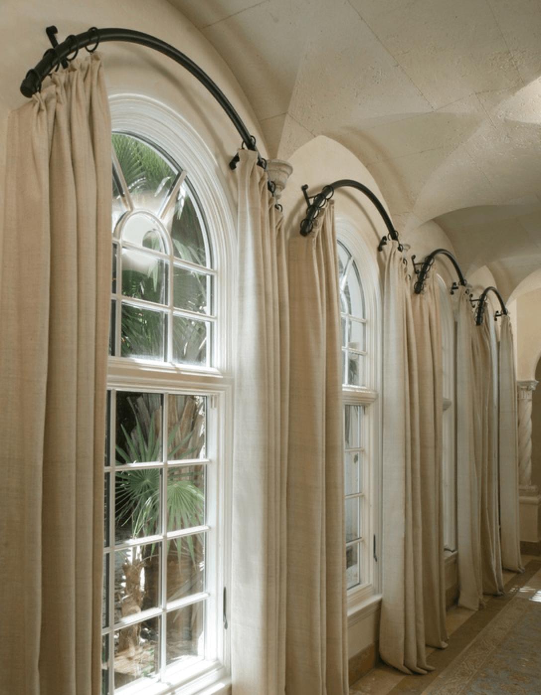 Гардины на арочных окнах