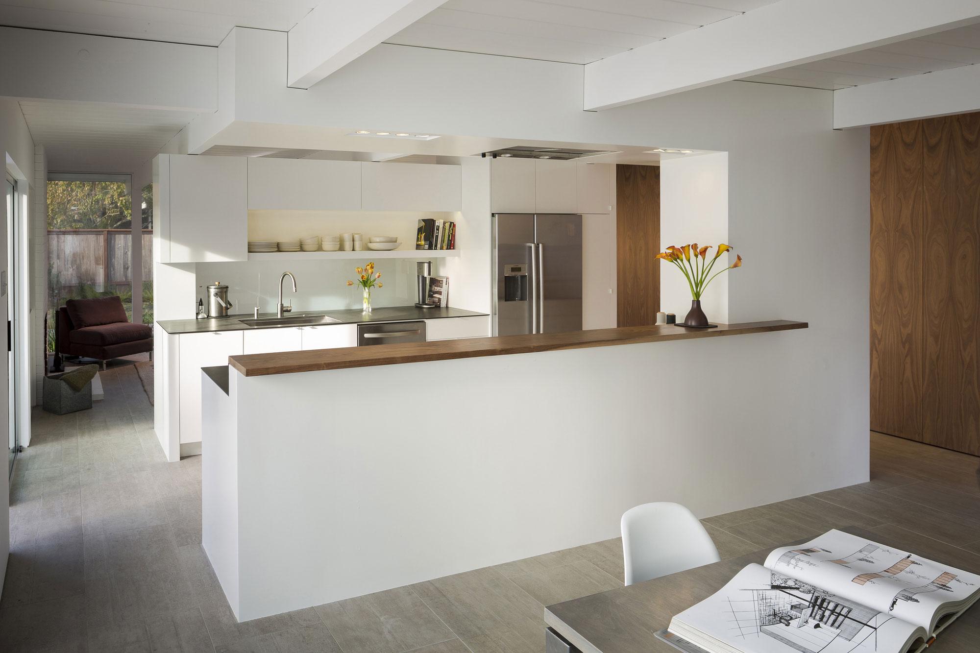 Перегородка между кухней и гостиной из гипсокартона