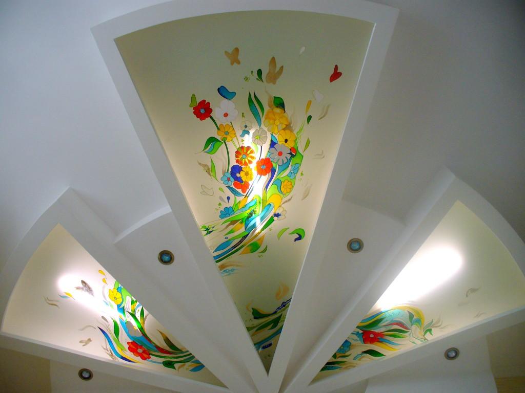 Витражный потолок из гипсокартона