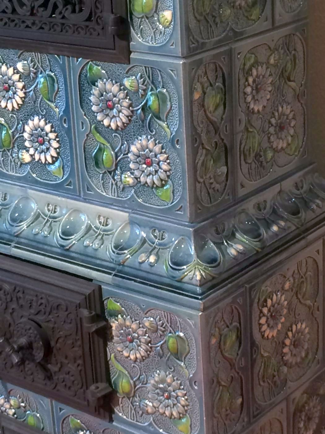 Печь с глазурованной плиткой