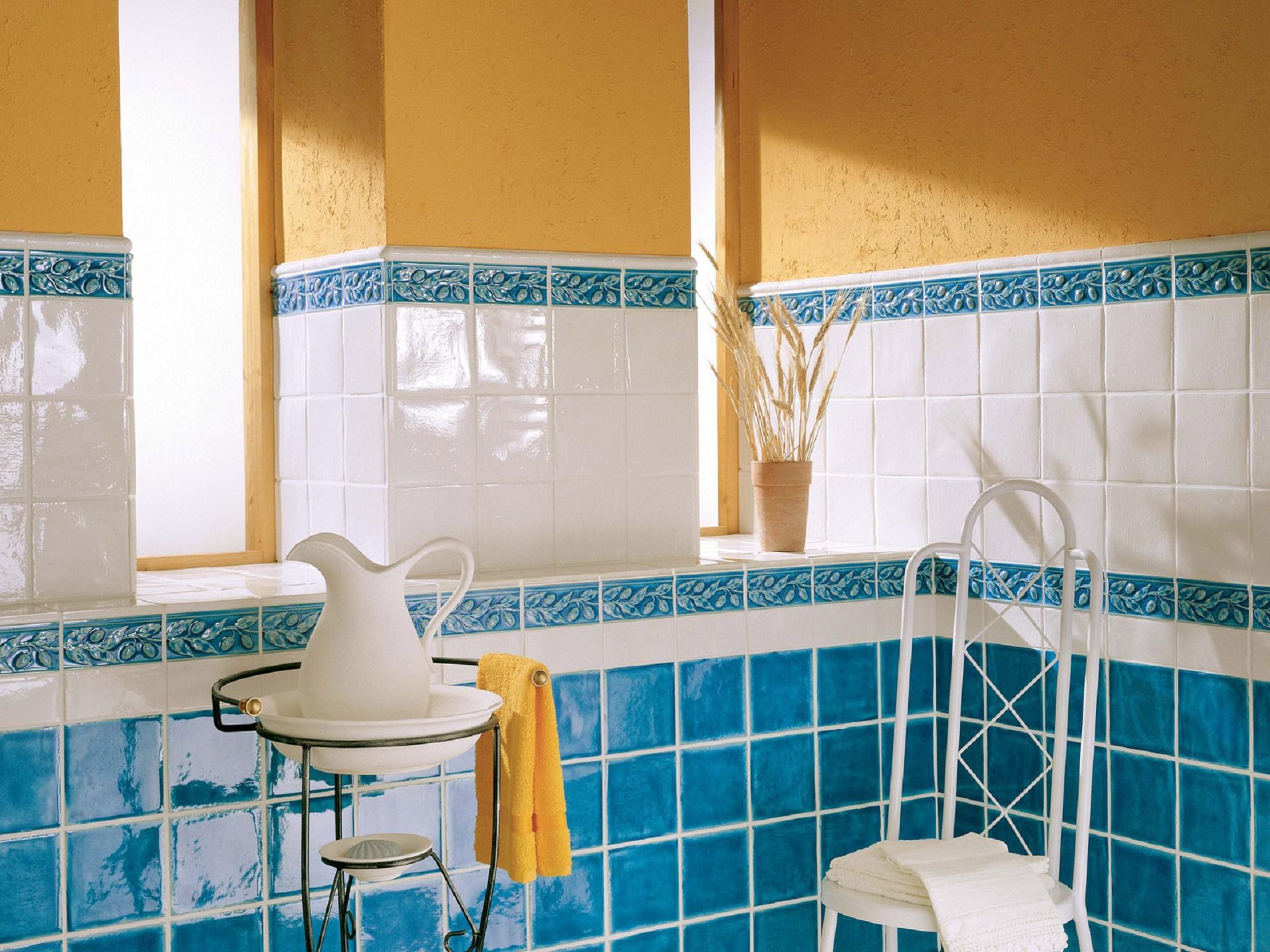 Глазурованная синяя плитка