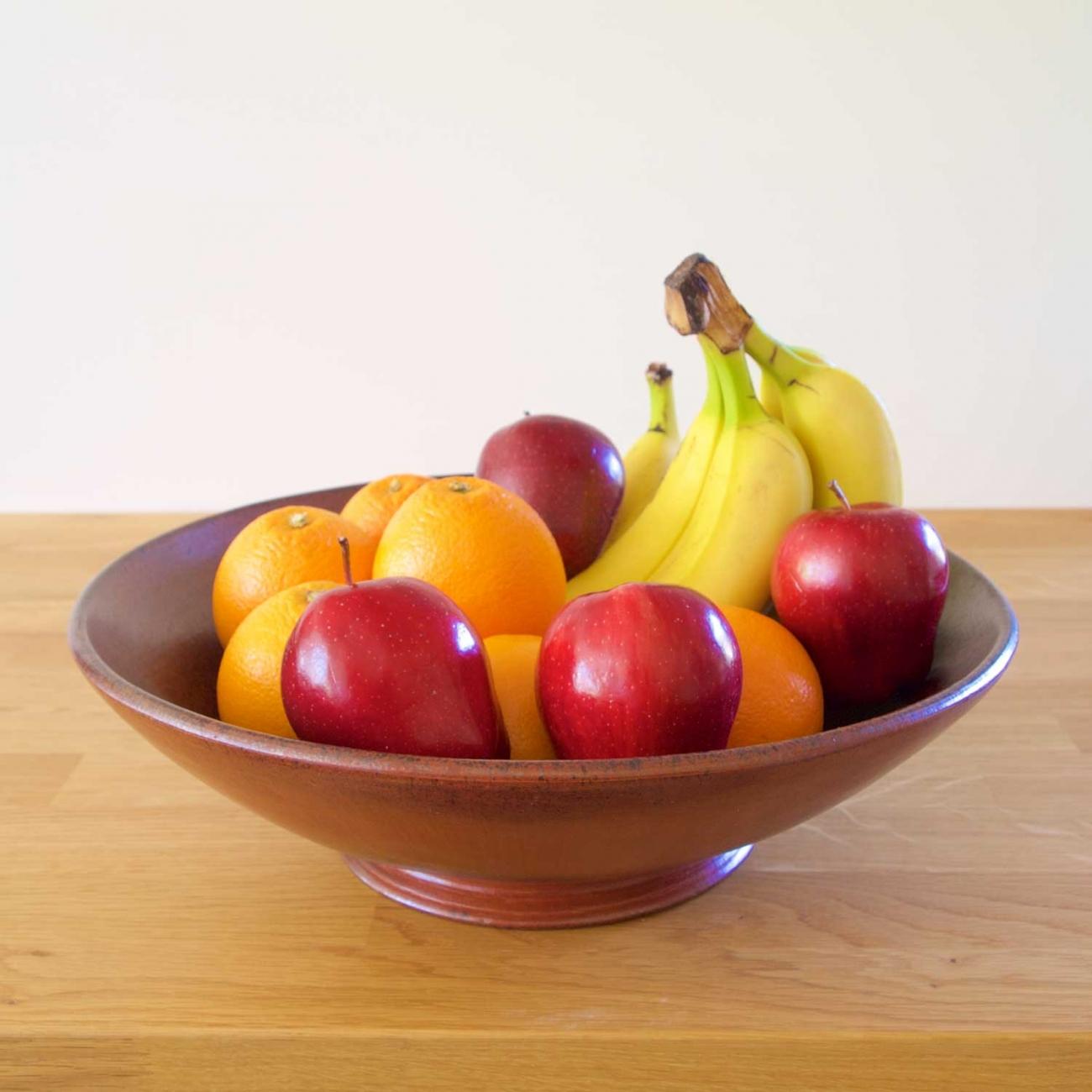 Глиняная ваза для фруктов