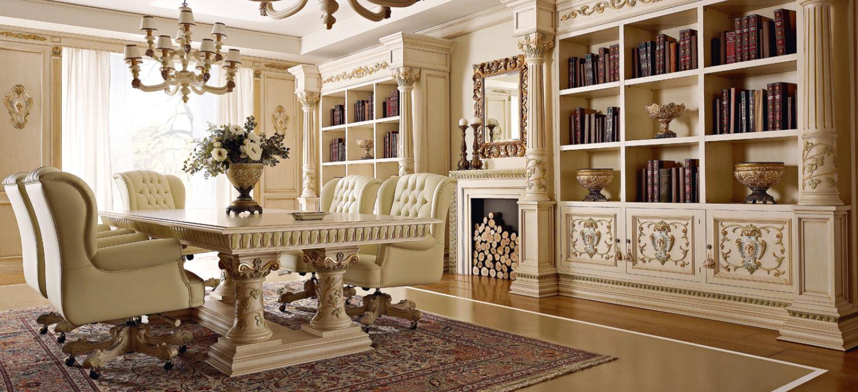 Резная мебель в гостиной