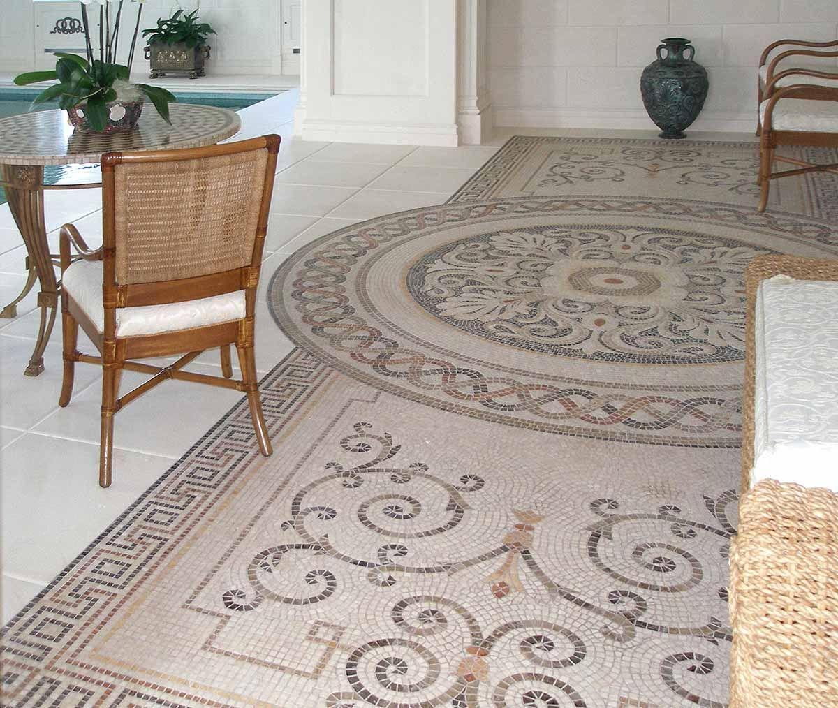 Мозаика на полу в гостиной