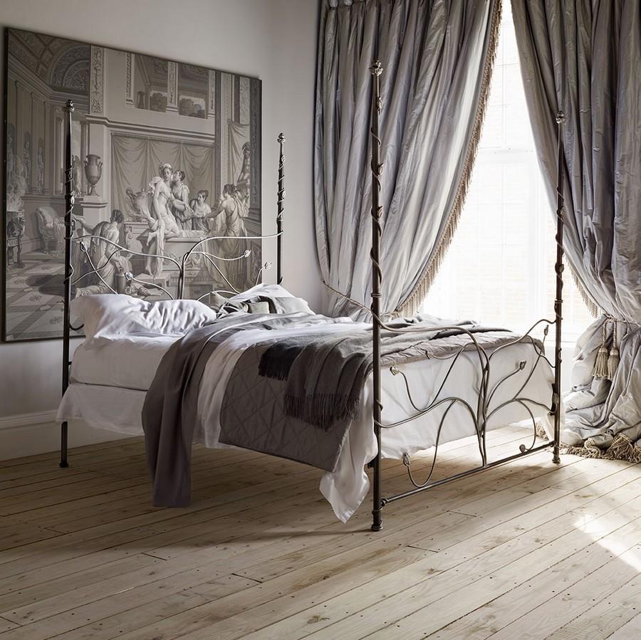 Кровать из металла в готическом стиле