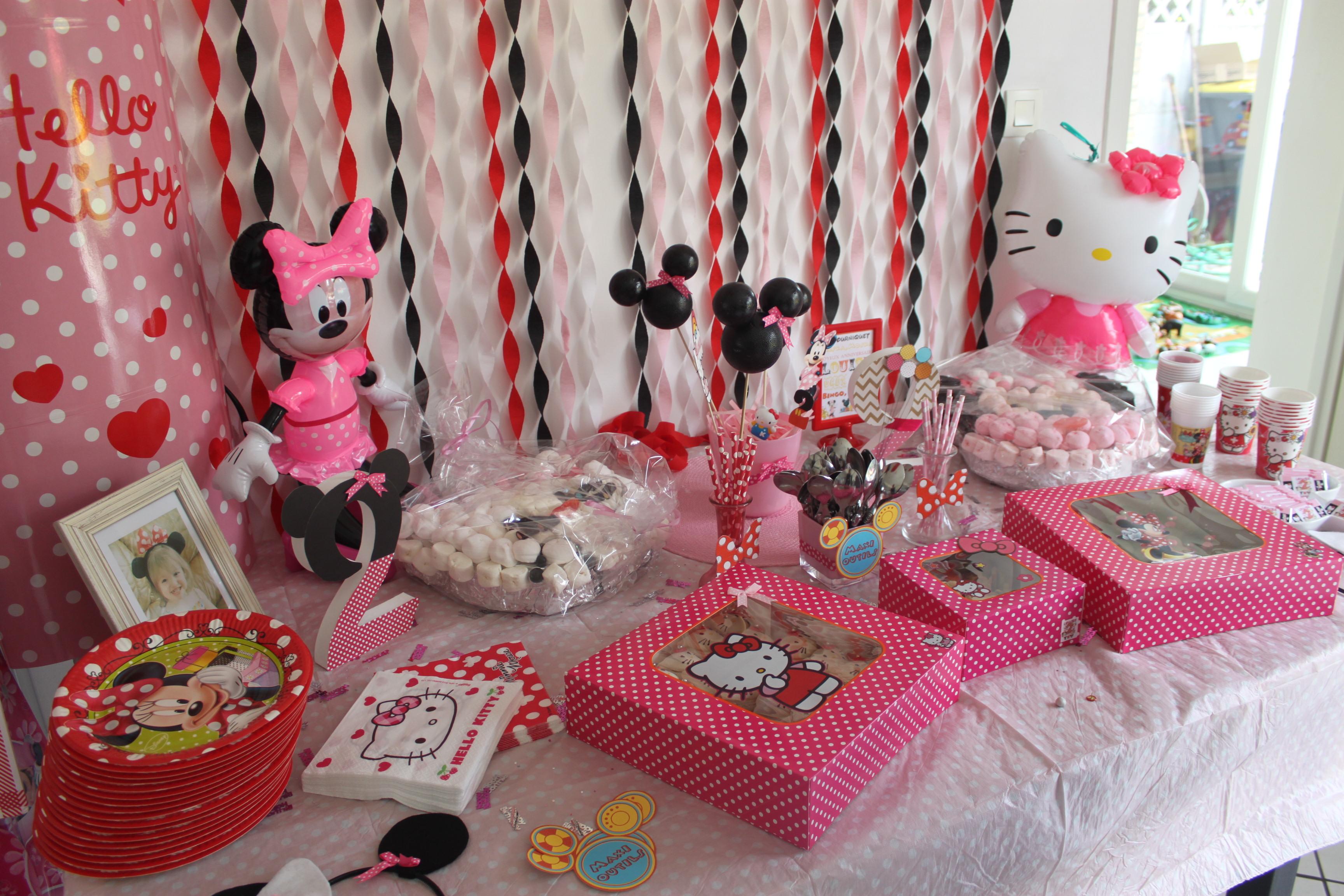 Украшение детского праздничного стола Hello Kitty