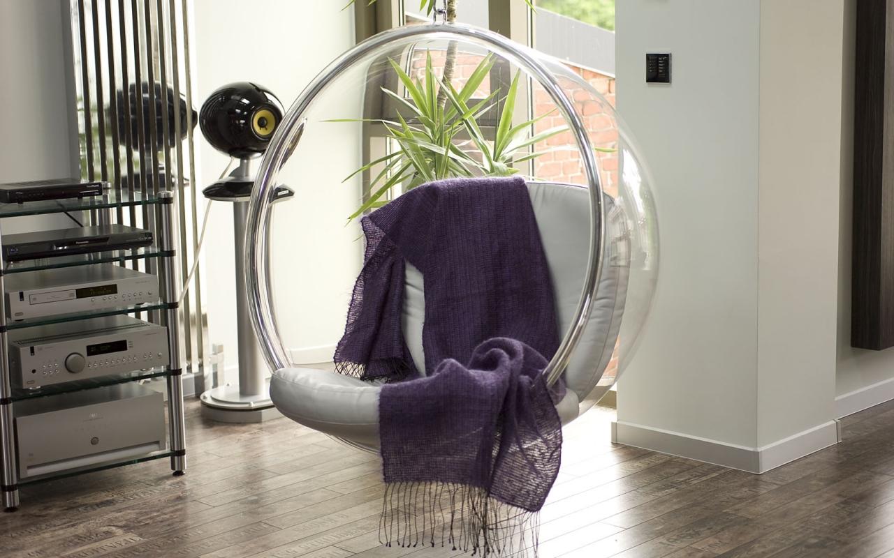 Кресло-шар в стиле хай-тек