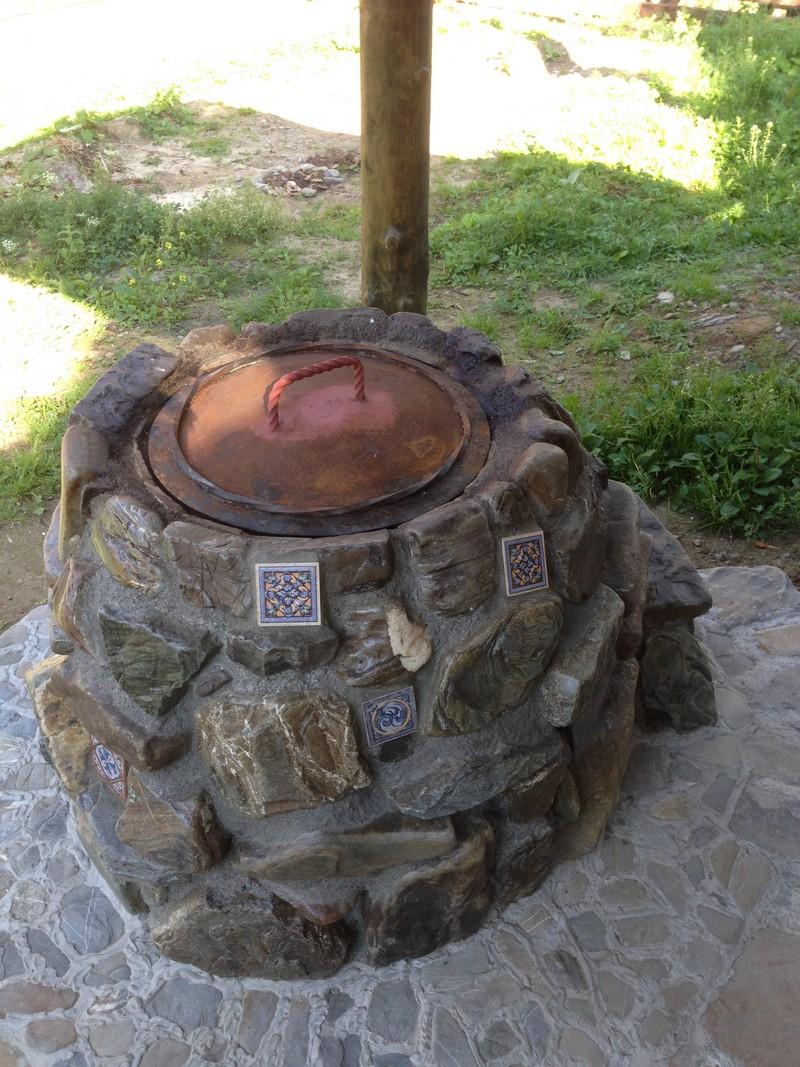 Тандыр из камня