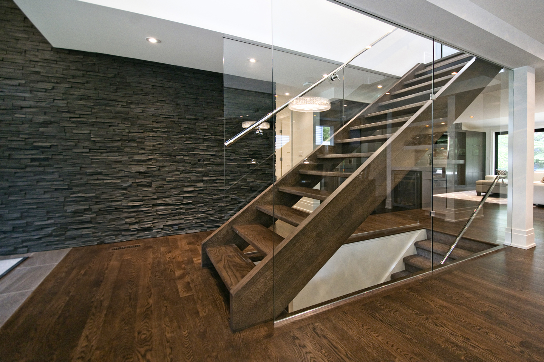 Стеновые панели для коридора под камень