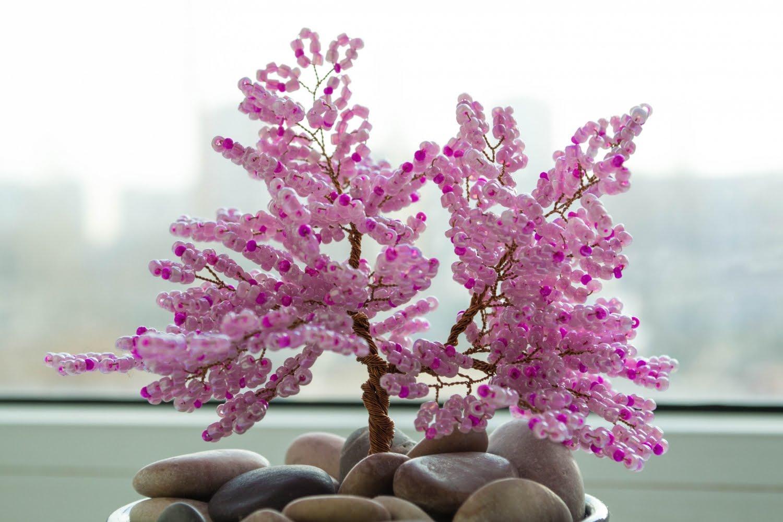 Сакура с камнями из бисера