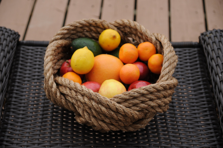 Декоративная ваза для фруктов