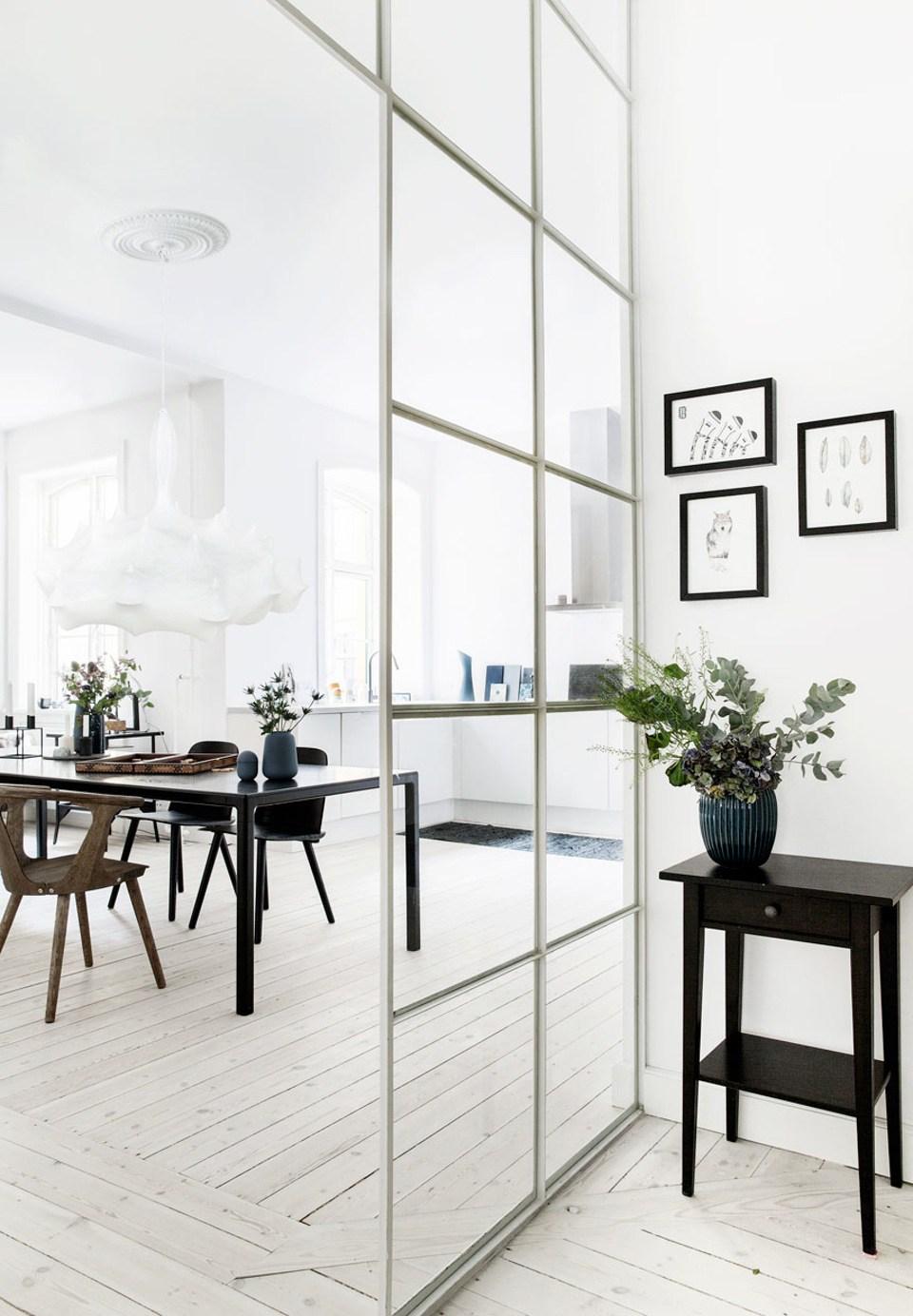 Перегородка между кухней и прихожей в скандинавском стиле