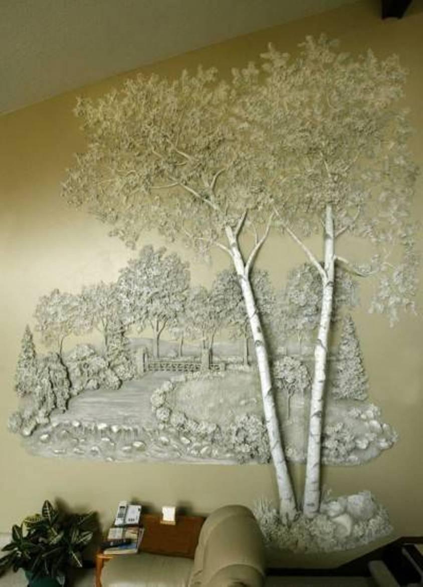 Картина из гипса на стене