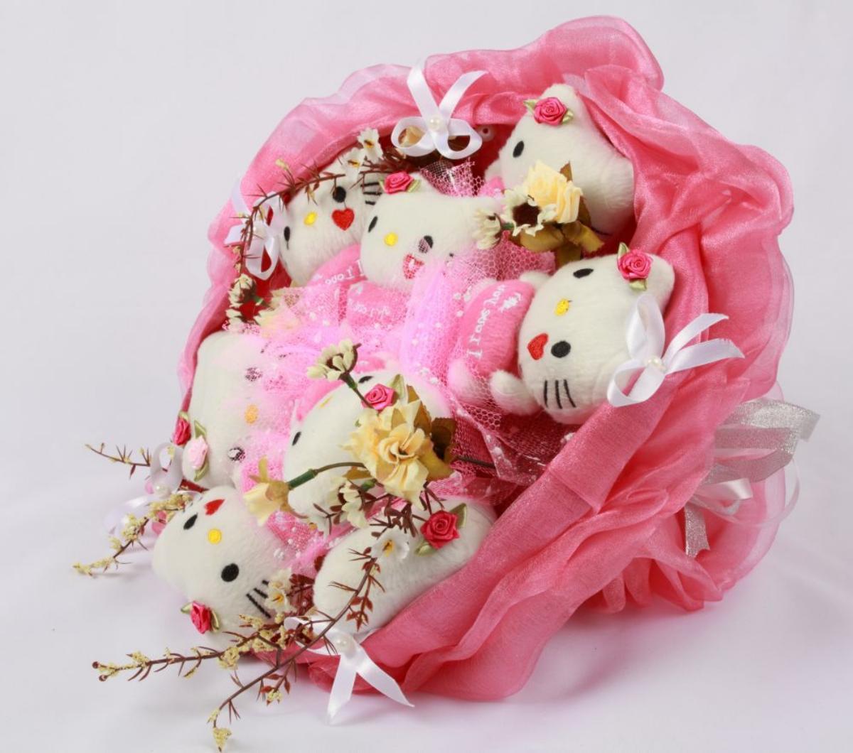 Букет из игрушек Hello Kitty