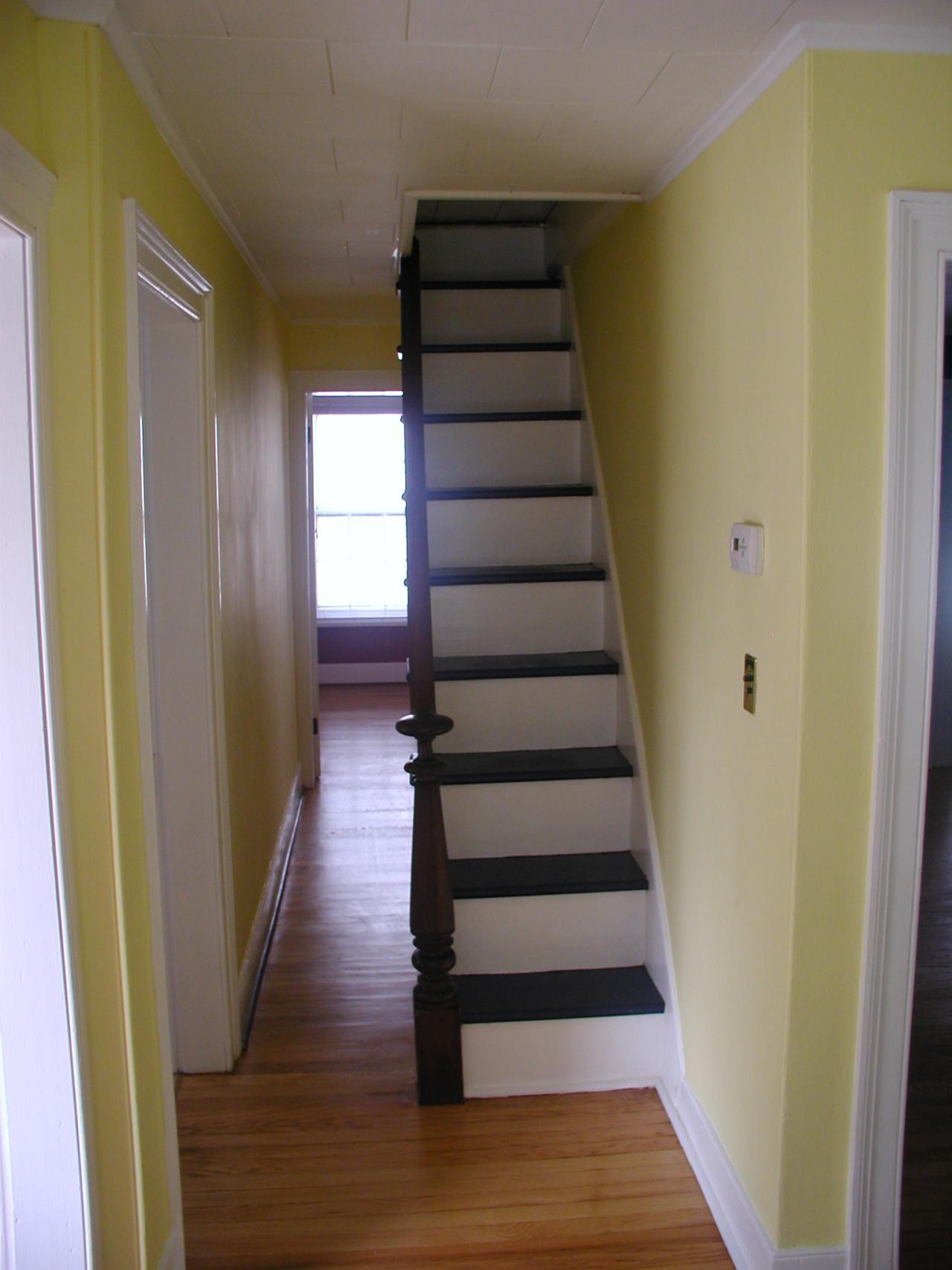 Консольная лестница на чердак