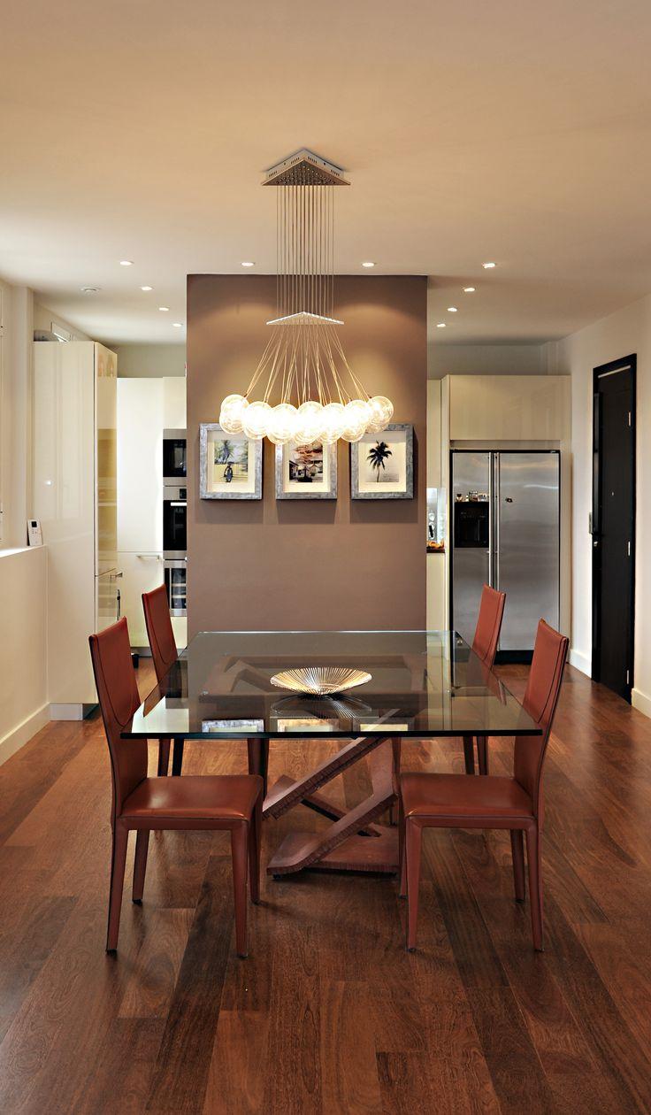 Перегородка между кухней и гостиной коричневая