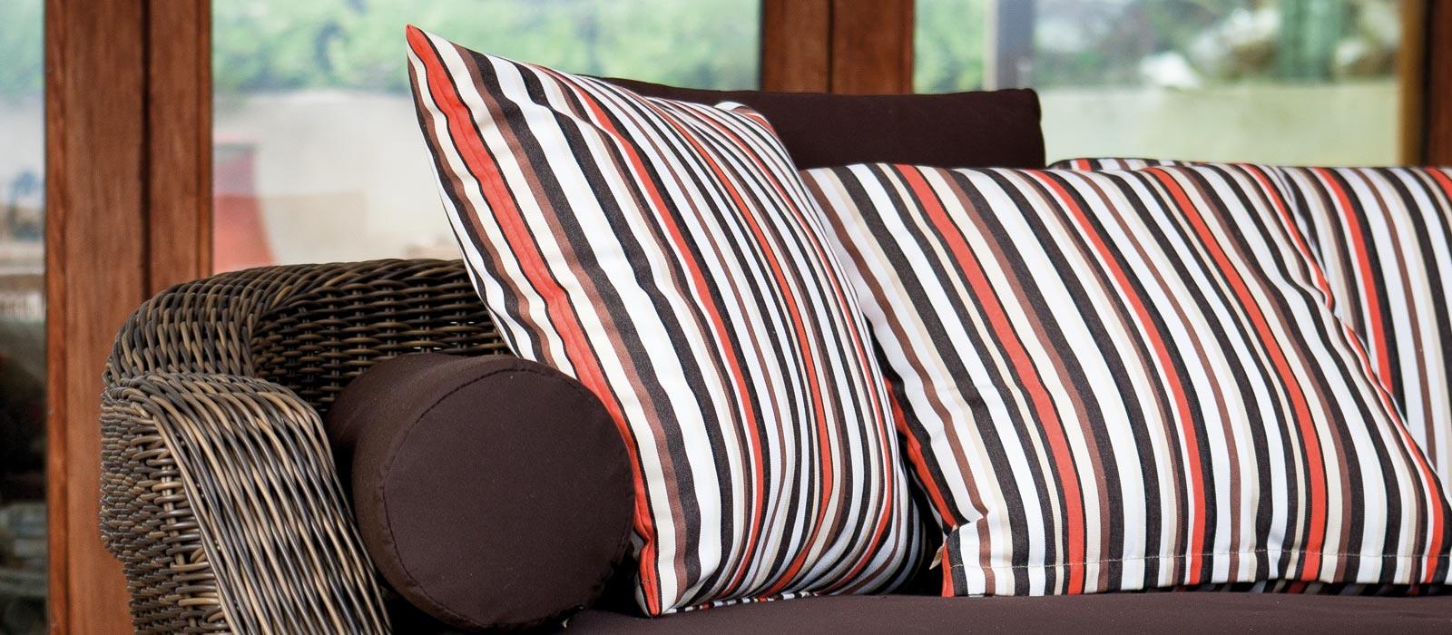 Подушка валик коричневая