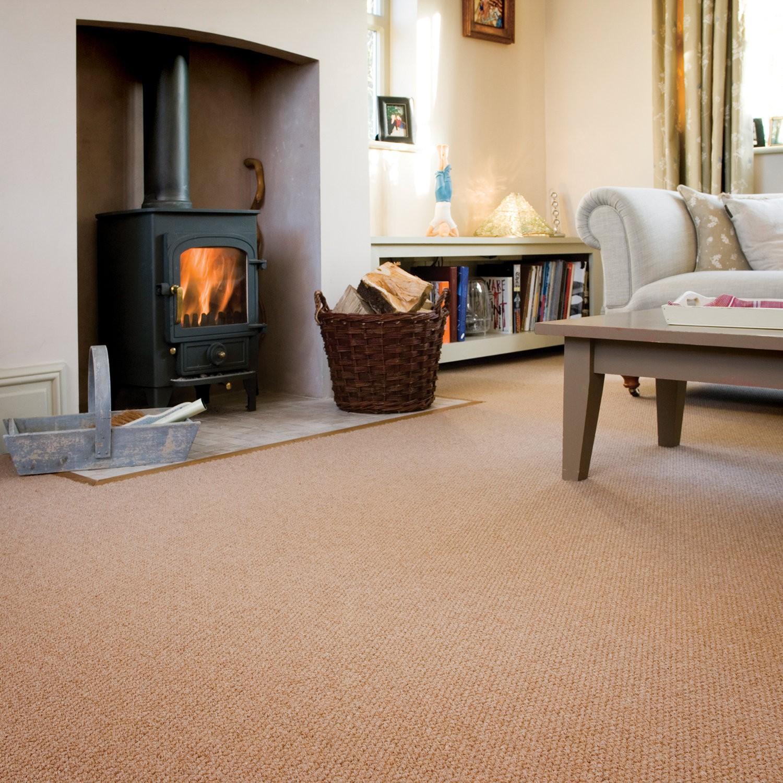 Шерстяной ковролин в гостиной