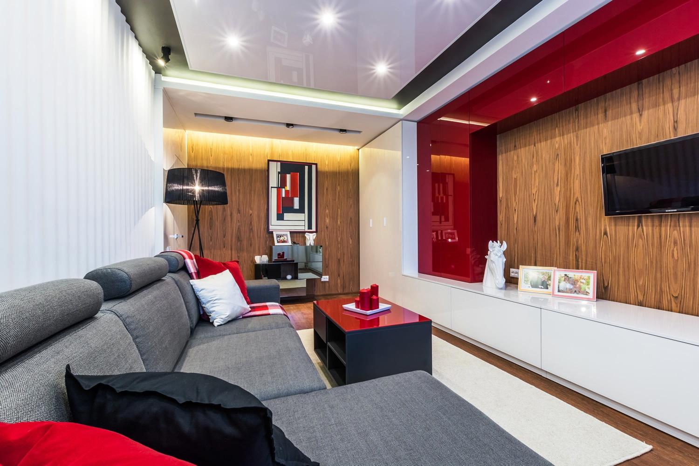 Интерьер гостиной в стиле конструктивизма в красном цвете