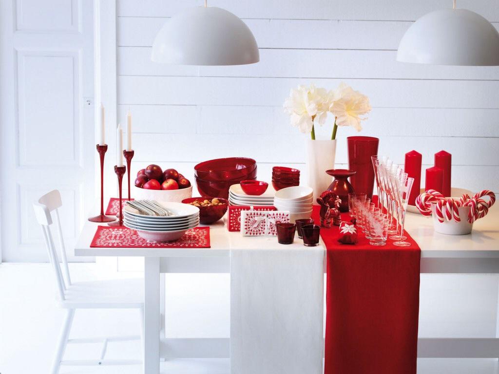 Оформление фуршетного стола в красно-белом цвете