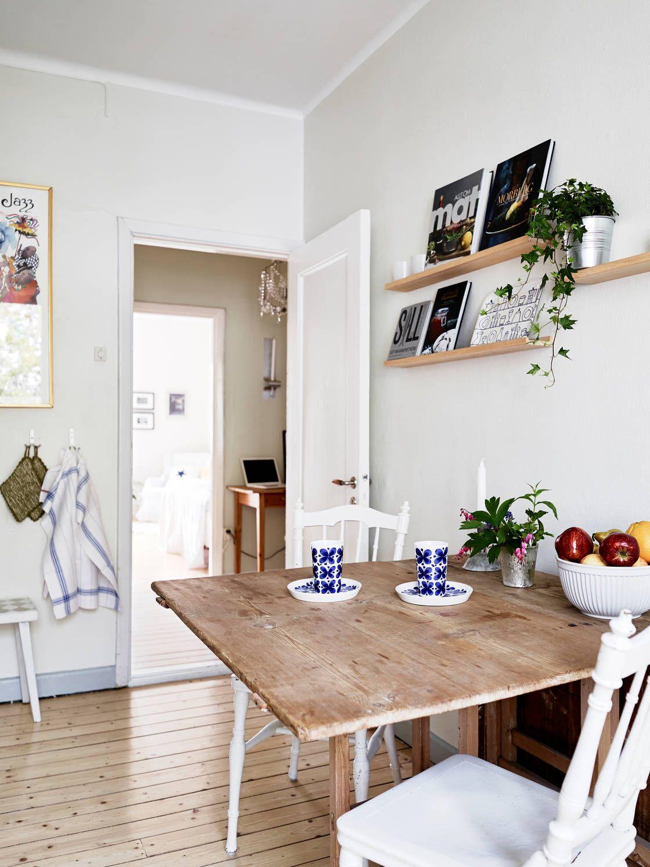 Откидной кухонный стол