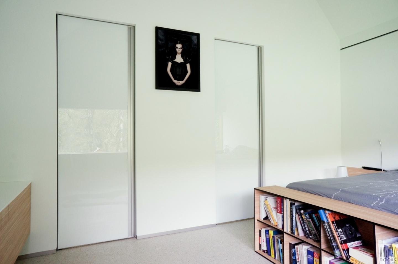 Белая дверь-купе
