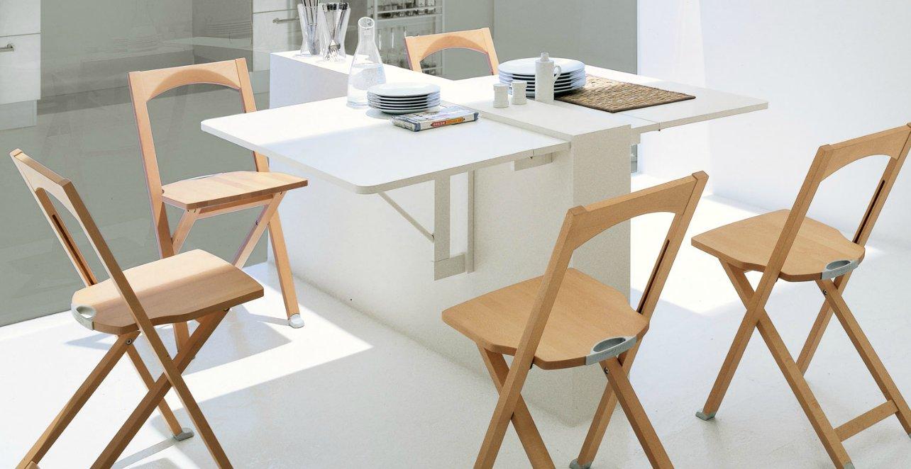 Откидной стол в лаконичном дизайне