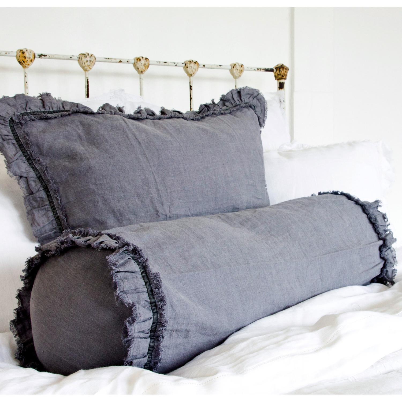 Подушка-валик из льна