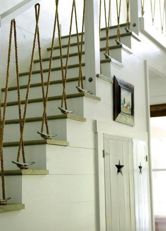 Канат в декоре лестницы