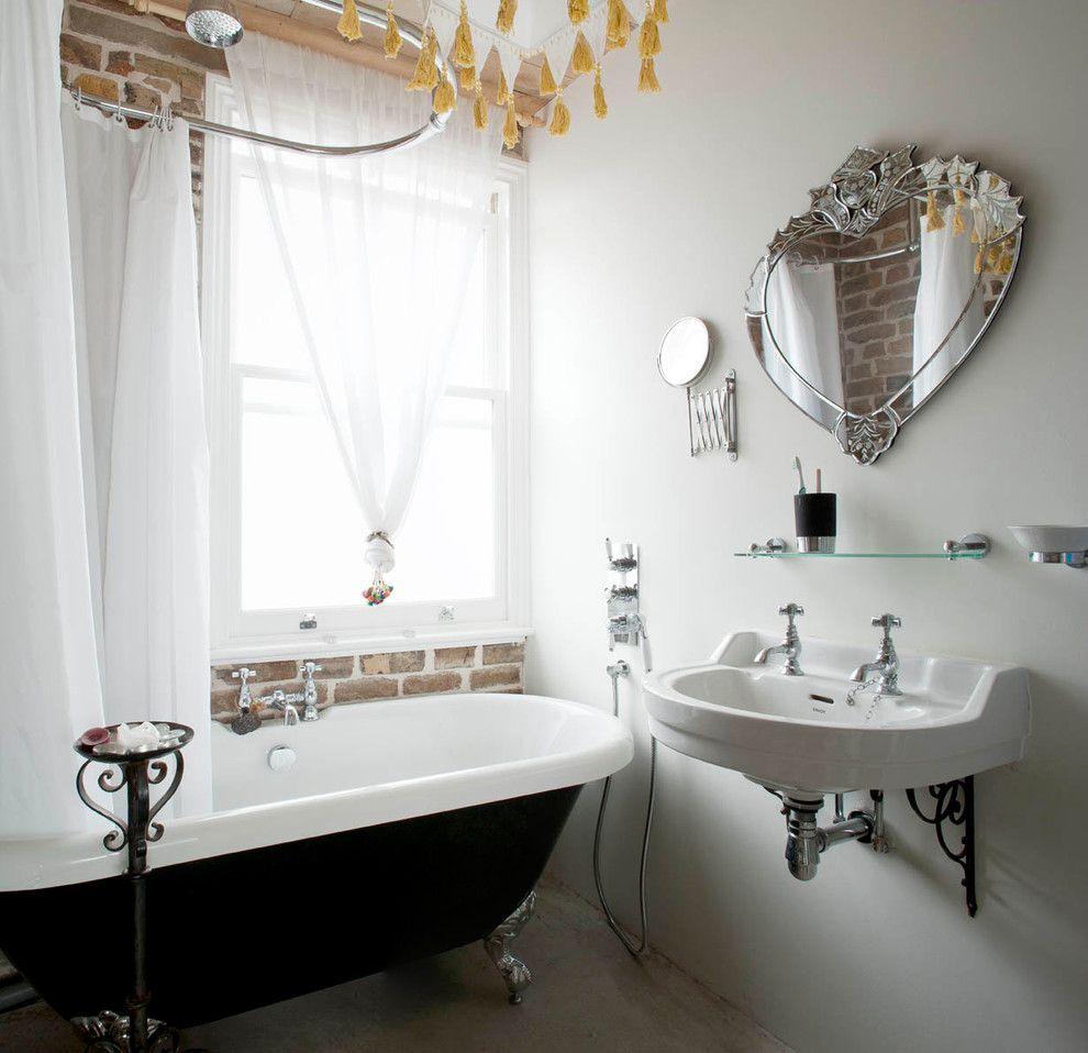Чугунная ванна в интерьере лофт