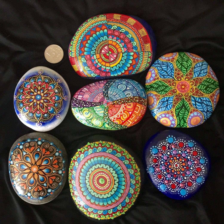 Мандалы из камней