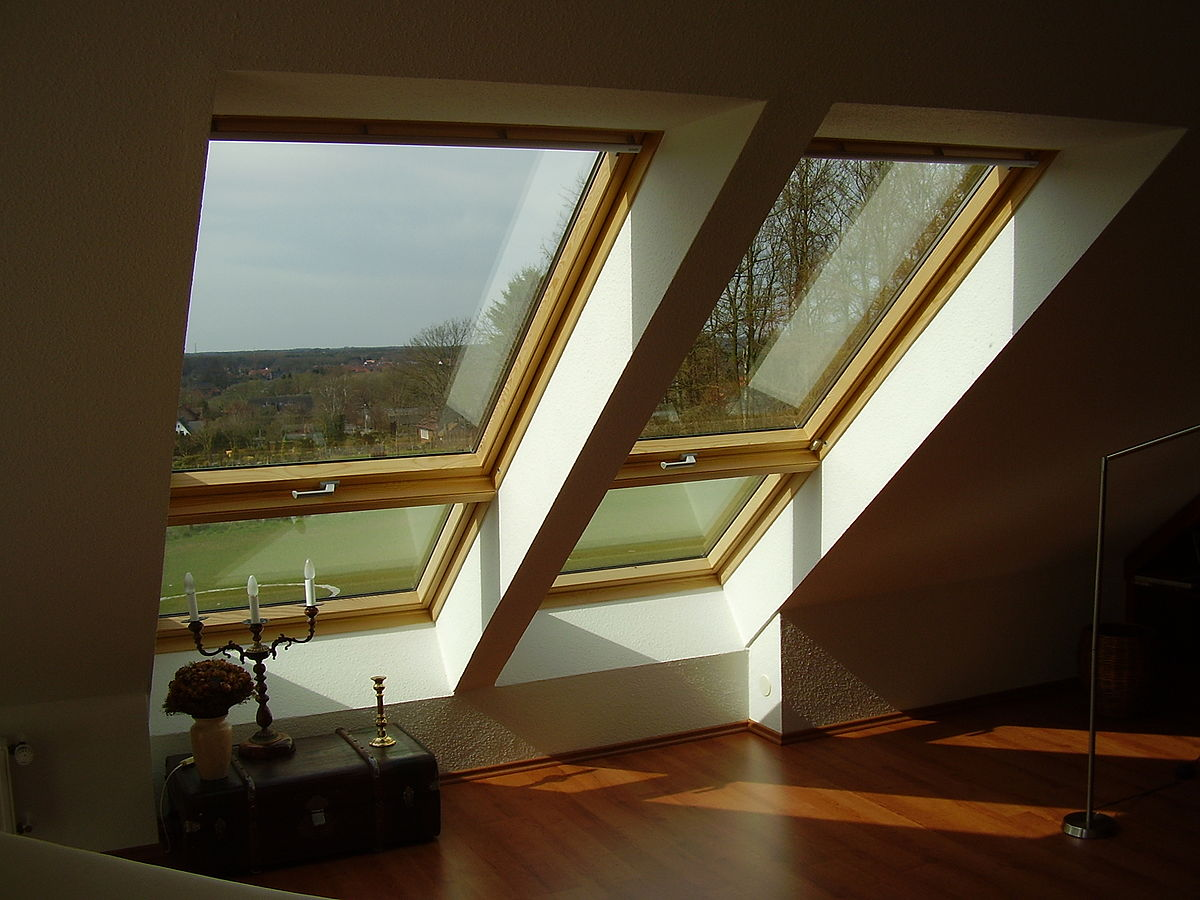 Слуховое окно на мансарде
