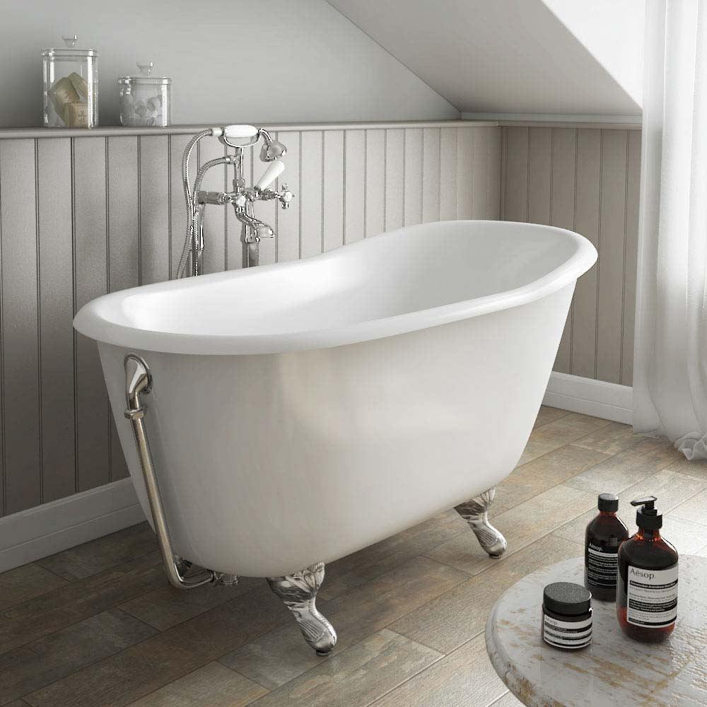 Чугунная ванна на мансарде