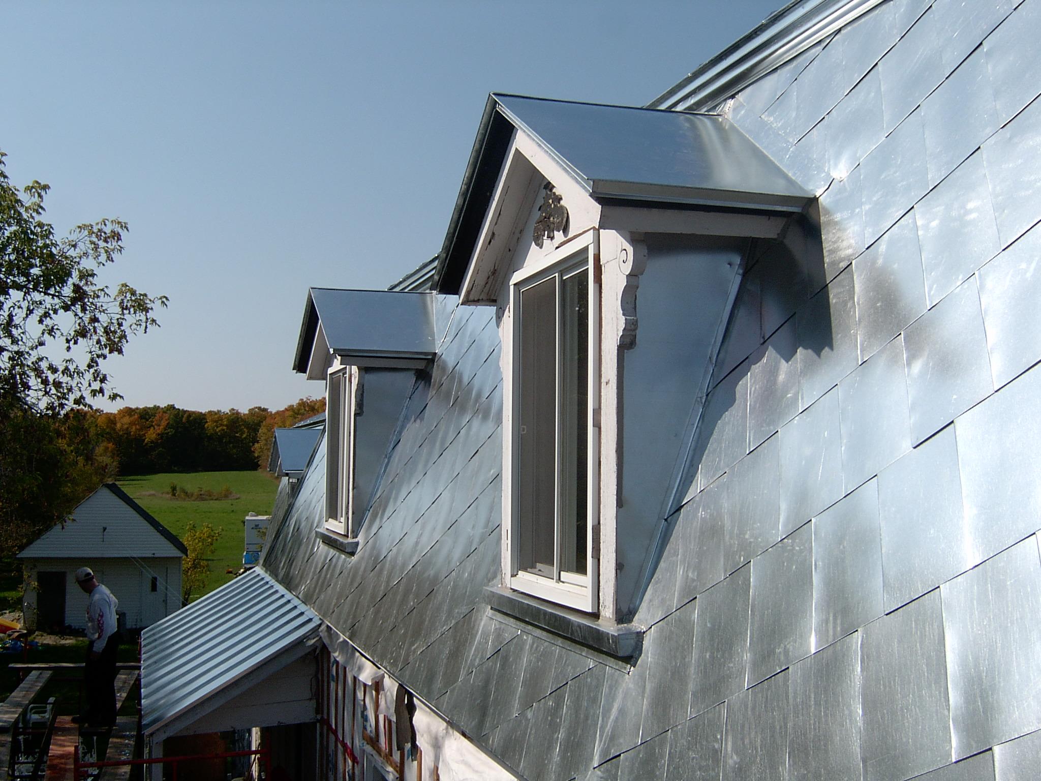 Крыша с мансардой металлическая