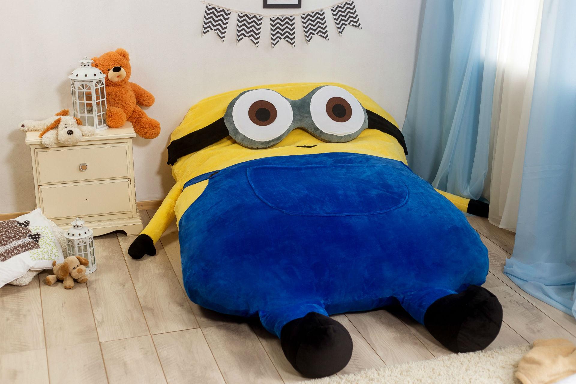 """Детская кровать """"миньон"""""""