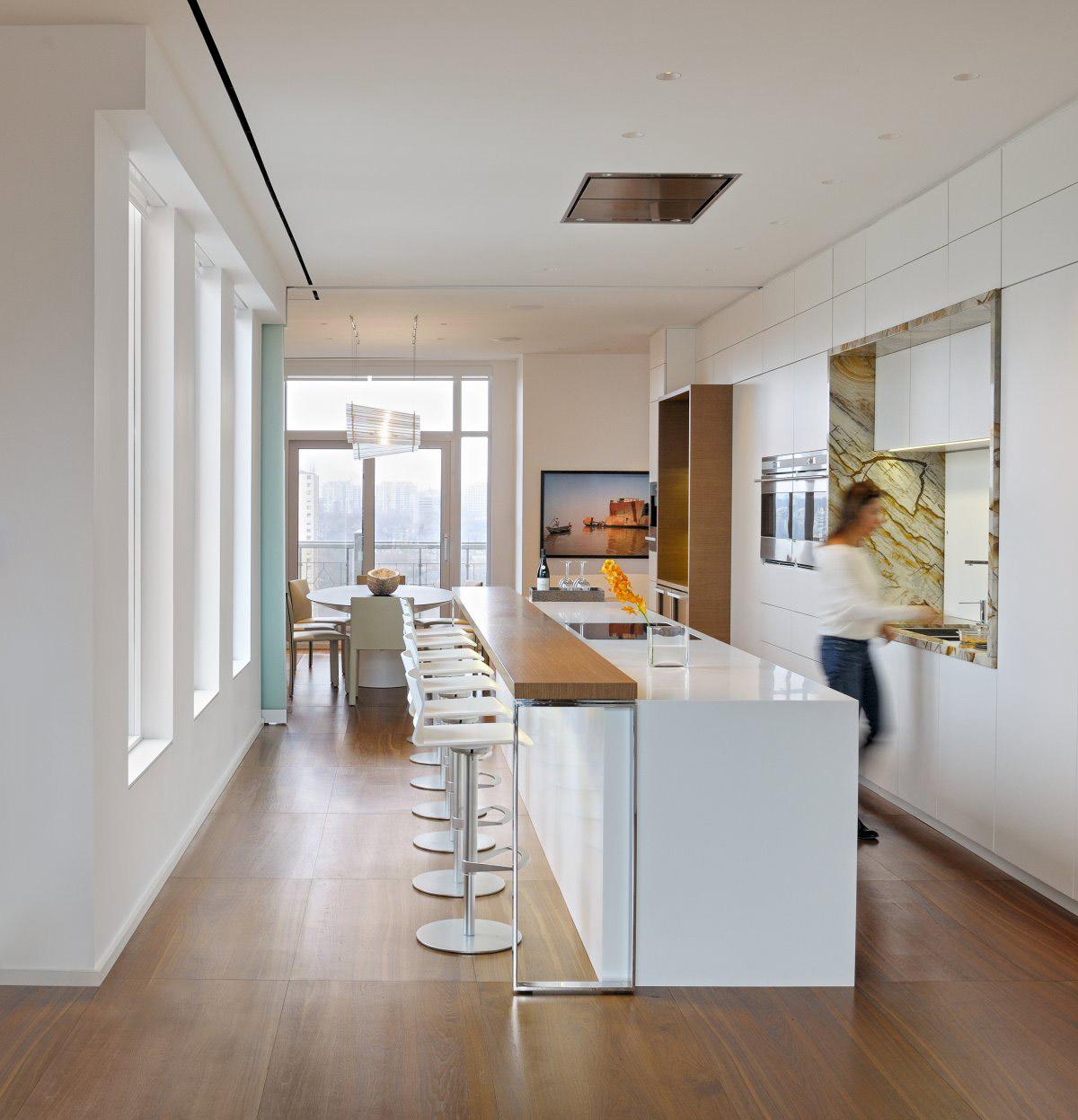 Кухня с барной стойкой в минималистском стиле