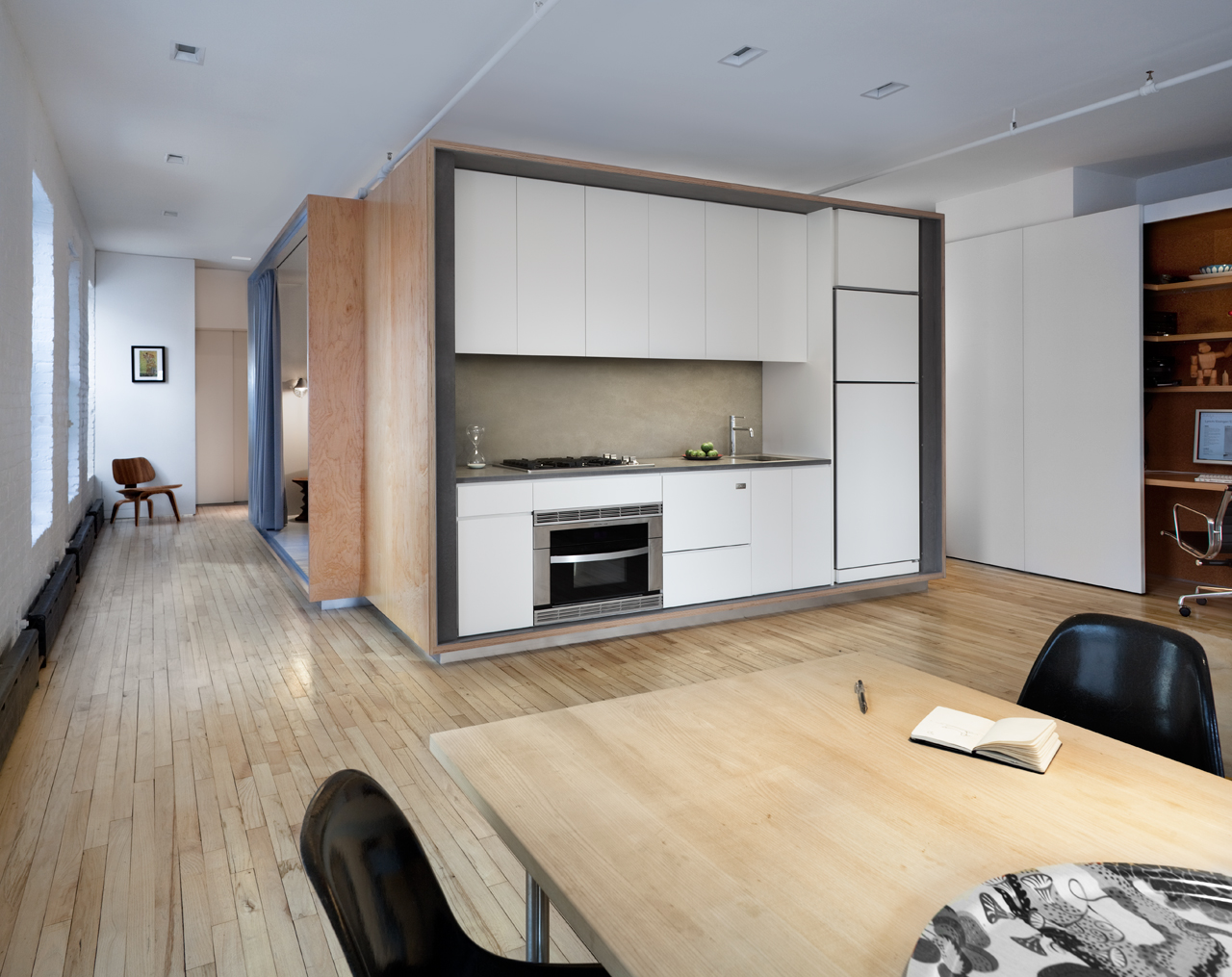 Перегородка на кухне в минималистском стиле