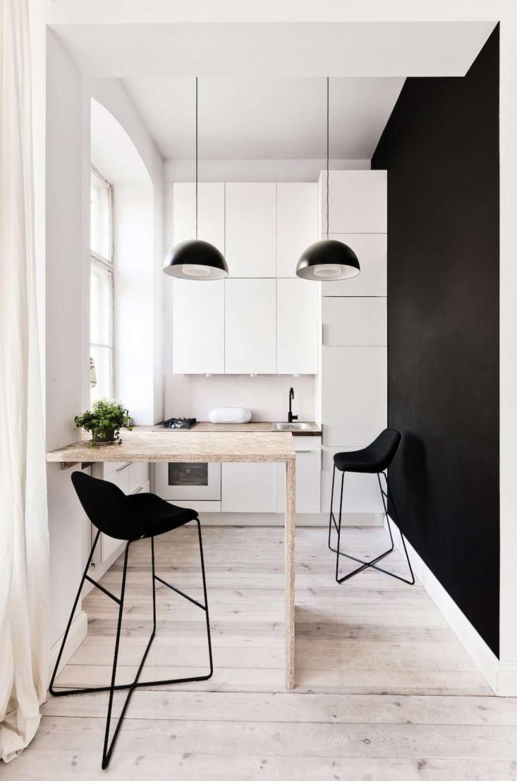 Откидной стол в минималистском стиле