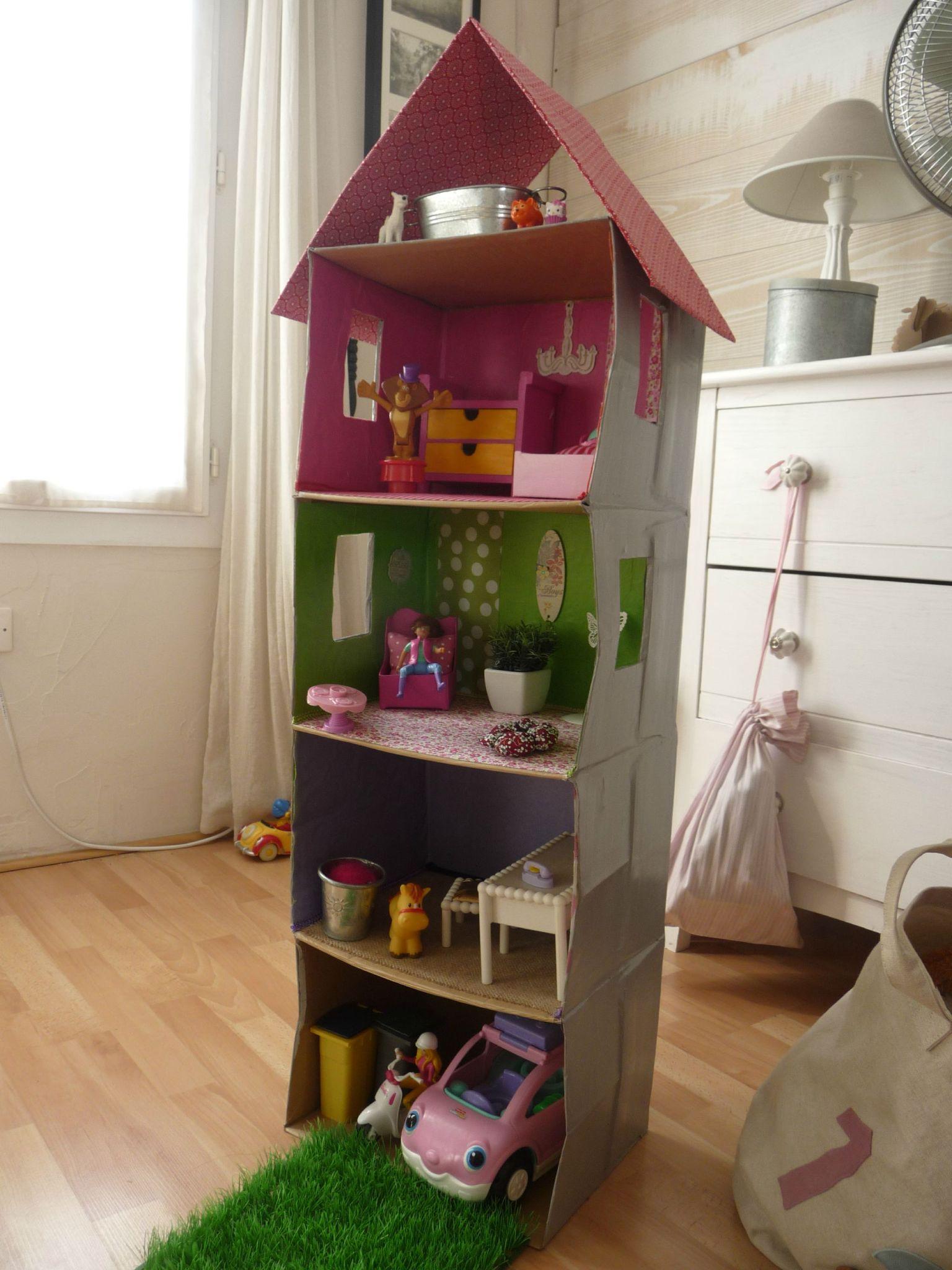 Многоэтажный кукольный домик из картона