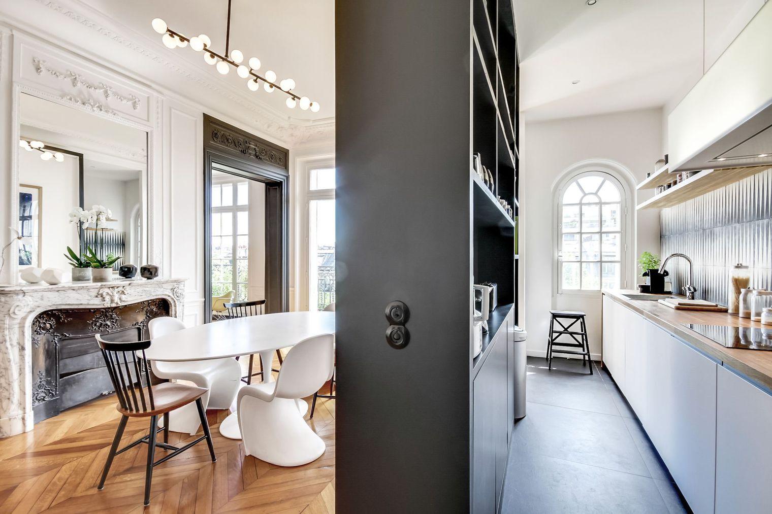 Перегородка между кухней и гостиной в стиле модерн