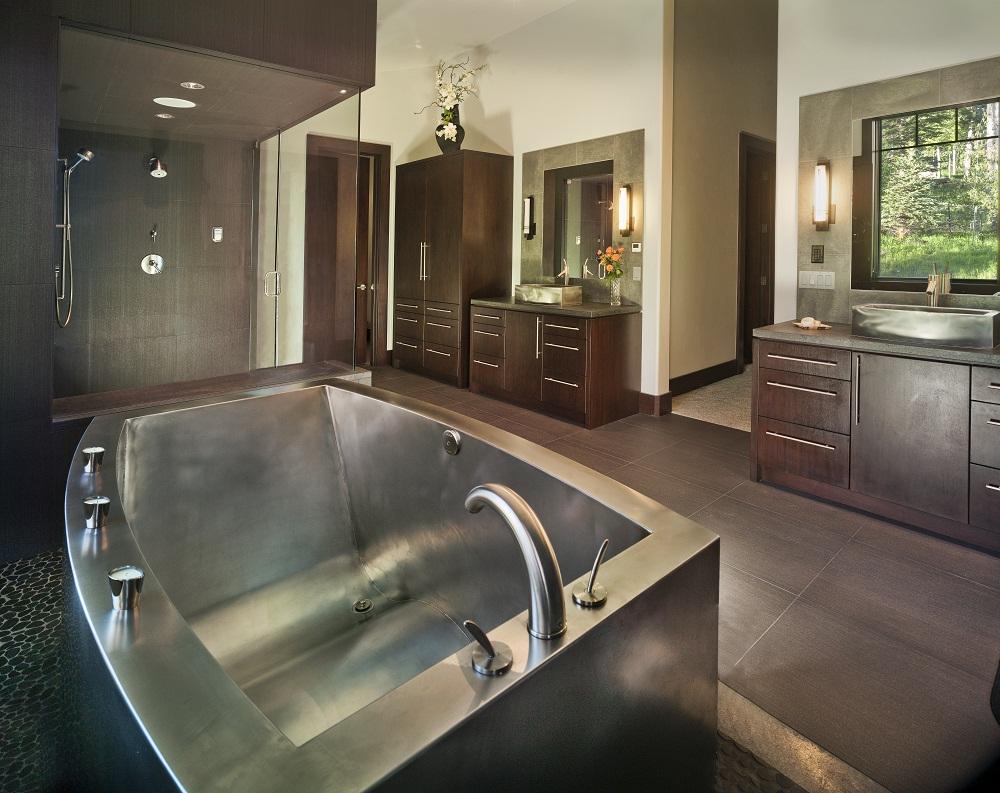 Монолитная стальная ванна
