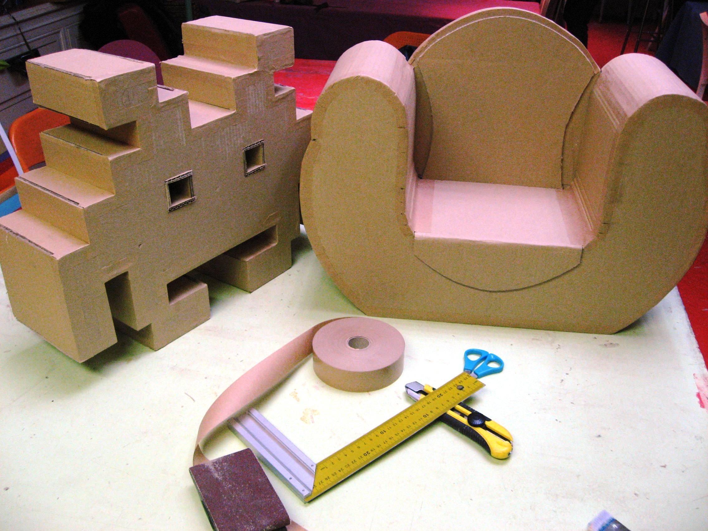 Мягкая мебель из картона для кукольного домика