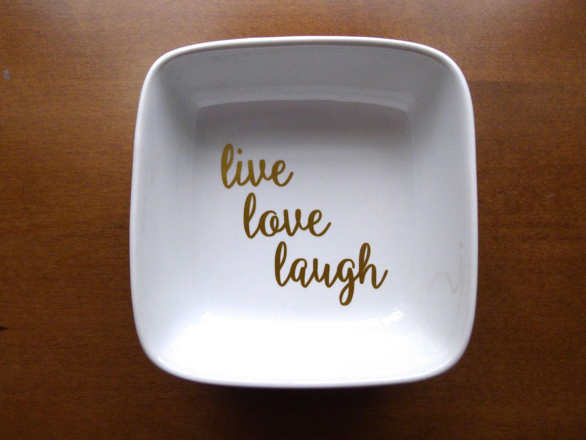 Надпись на тарелке в технике деколи