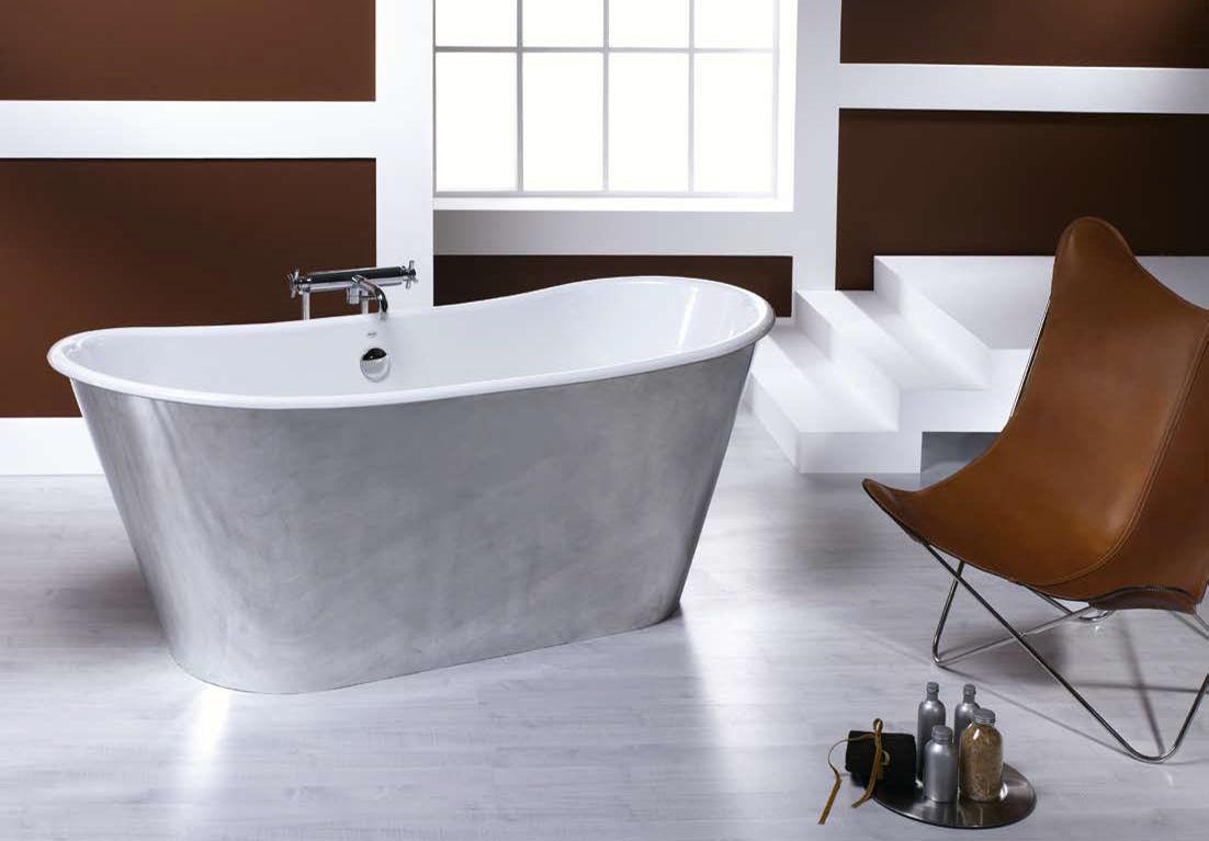 Чугунная напольная ванна