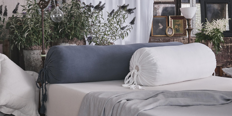 Подушка валик с наволочкой