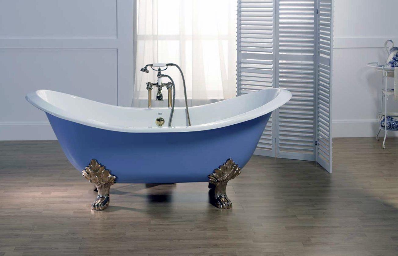 Стальная ванна на ножках