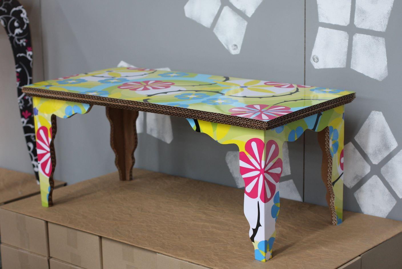 Обеденный стол из картона для кукольного дома