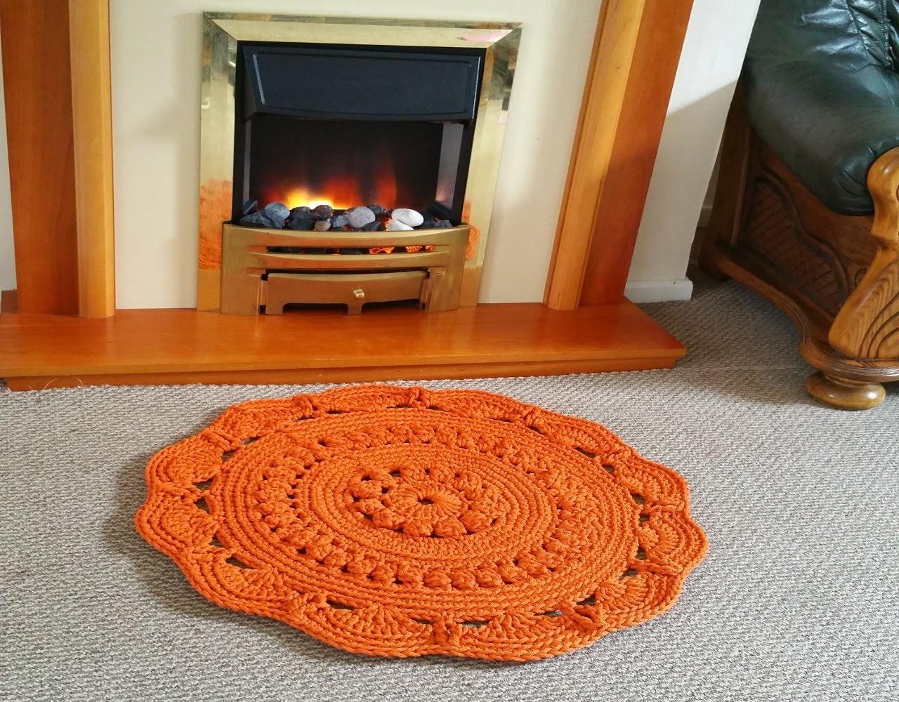 Ковер из шнура оранжевого цвета