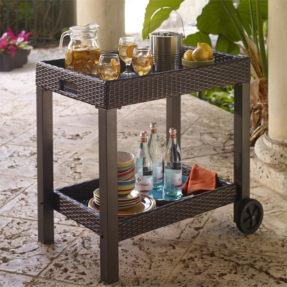 Сервировочный плетеный столик