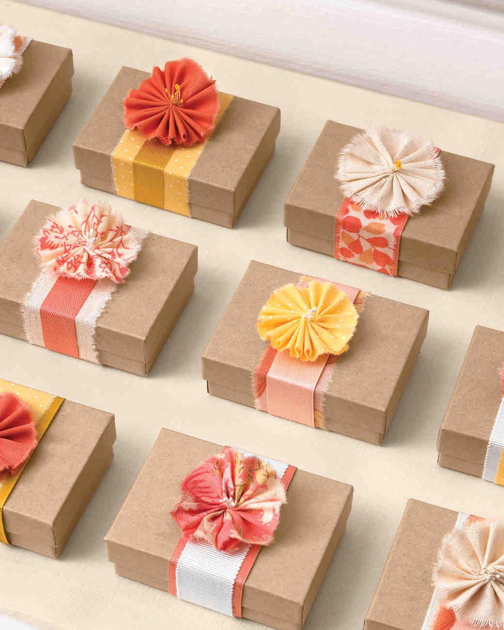 Ленты на подарках